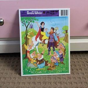 Vintage Disney Snow White frame tray puzzle